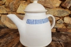 č.32 - konev čajová ,modrobílá,kopretina, objem 1,5, 280,-Kč